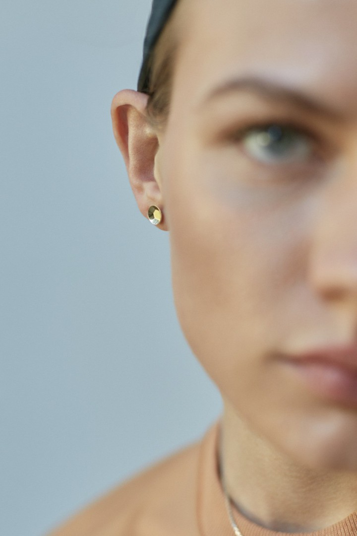 '2 Ct' Gold Plated Sequin Single Stud Earring